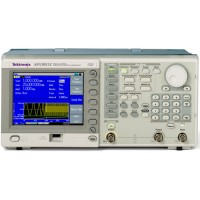 Tektronix AFG3011C генератор сигналов произвольной формы 1 канал, 10 МГц